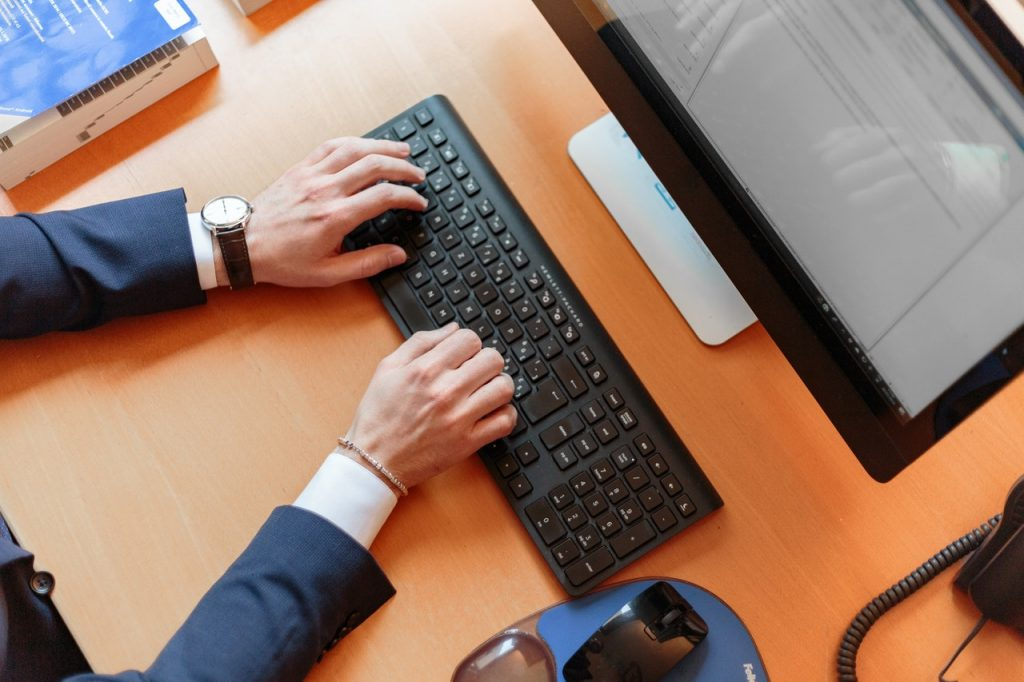 Bliv opkvalificeret med klassiske IT-kurser